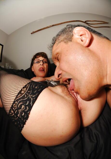 Mature Pussy Lick Photos