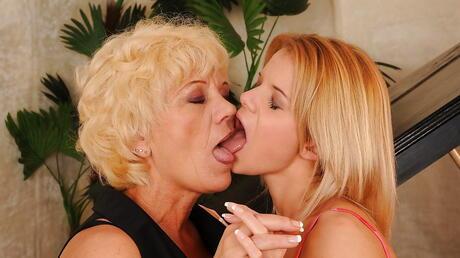 Mature Love Girls Photos