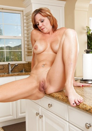 Shaved Mature Pussy Photos