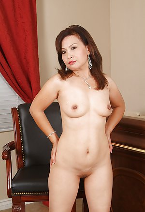 Asian Mature Pussy Photos