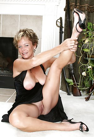 Granny Pussy Photos