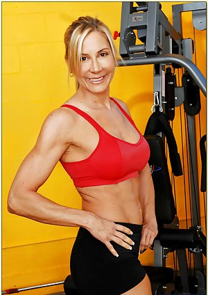 Mature Fitness Girl Photos
