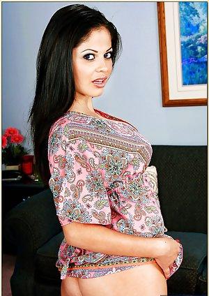 Indian Mature Pussy Photos