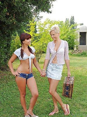 Mature Shorts Photos