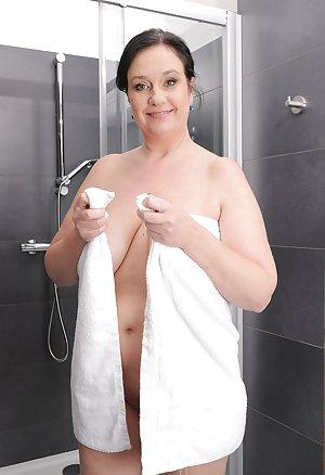 Mature in Shower Photos