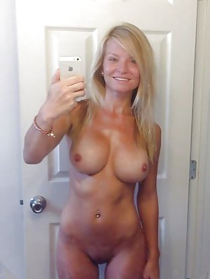 Mature Selfies Photos