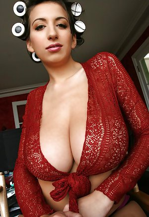 Big Boobs Mature Photos
