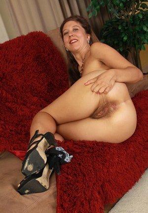 Mature Pussy Photos