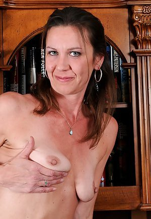 Mature Saggy Tits Photos